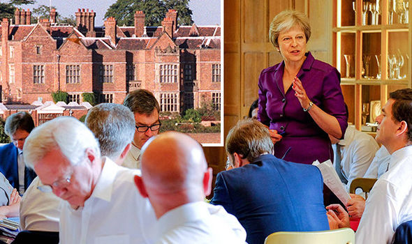 Brexi news theresa may chequers plan